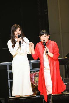 (画像1/4) (左から)篠原涼子、絢香 (提供写真) - 絢香のライブに篠原涼子がサプライズ出演「歌っていいですか?」
