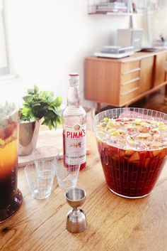This Summer Punch with Pimm's and a home made Strawberry and Earl Grey Syrup turned out super nice, so I had to share this recipe. Try it out at home for your next party, it is really super easy to make and your guests will love it. Cocktail Recipe Drinks Pimms Punch