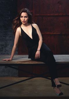 Best of Emilia Clarke - Album on Imgur