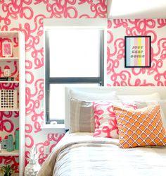 Penelope Peel & Stick Wallpaper - Pink / Sample