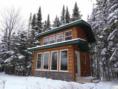 This is a 240 sq. ft. tiny log cabin. It's for sale (asking $130,000) and located in Duluth, Minnesota. Please enjoy, learn more, and re-share below. Thank you! 240 Sq. Ft. Tiny Log Cabin on …