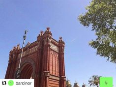 Arc d Triomf. #reiseliv #reisetips #reiseblogger #reiseråd  #Repost @barcinor  // Arc de Triomf // 1 8 8 8 ____________________________________________________  #barcinor #thebarcelonist #barcelona #barcelonacity #bcn_online