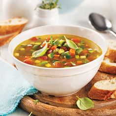 Soupe minestrone à la mijoteuse - 5 ingredients 15 minutes Mets, Thai Red Curry, Easy Meals, Easy Recipes, Chili, Salsa, Ethnic Recipes, Desserts, Magazines