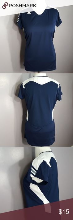 Adidas climacool workout top Adidas climacool workout top  Blue and white  Materials:  100% polyester  Size- XL Measurements (Flat Lay in inches) Bust- 21.5 Length- 29.5 adidas Tops Tees - Short Sleeve