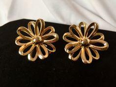Vintage  Gold Daisy/Flower Cufflinks -