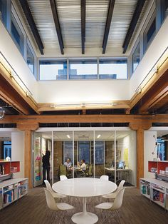 creative consultancy IDEO's office by Perkins+Will