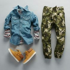 Boys' fashion | Kids' clothes | Chambray top | Striped top | Camo print joggers | The Children's Place