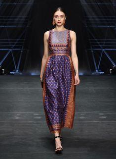 Half Saree Designs, Lehenga Designs, Saree Blouse Designs, Designer Anarkali Dresses, Designer Dresses, Traditional Fashion, Traditional Dresses, Saree Dress, Silk Dress