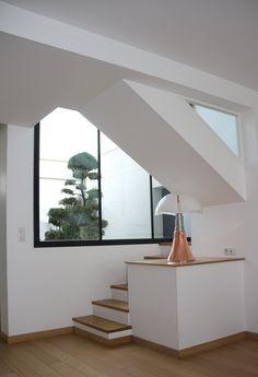 MAISON DE VILLE . http://www.so-designs.fr Lampe pipistrello cuivre Martinelli Luce.