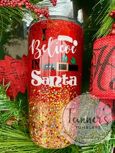 Diy Tumblers, Glitter Tumblers, Glitter Cups, Custom Tumblers, Christmas Store, All Things Christmas, Christmas Crafts, Thermos, Tumblr Cup