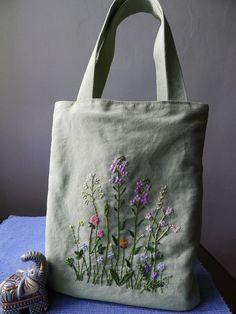 Bag embroidery handmade pouch with floral embroidery bolsa artesanal com bordado floral Embroidery Flowers Pattern, Embroidery Bags, Hand Embroidery Stitches, Silk Ribbon Embroidery, Hand Embroidery Designs, Floral Embroidery, Embroidery Fashion, Bordado Floral, Tote Bags Handmade