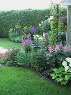 Garden Landscaping Backyard Landscaping Ideas - Plate bande Plus - Backyard Landscaping Ideas – Backyard is an essential part of a house that has a lot of functions. You can turn the yard into a small garden full of vegetable crops, . Backyard, Shade Garden, Garden Design, Dream Garden, Backyard Landscaping, Landscape, Garden Planning, Cottage Garden, Outdoor Gardens