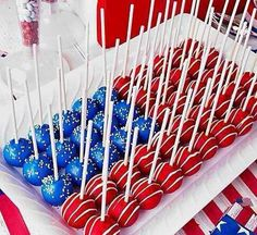Love this idea for the 4th of July! Cake pops shaped like an American flag.
