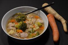 Gemüse satt und dazu Hähnchenfleisch, dass eine gute Portion Eiweiß liefert.       Für 4 Portionen...