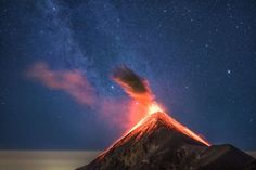 This Guy Photographed an Erupting Volcano and The Milky Way Both In One Photo