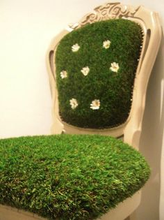 I can't be the only one who loves the look of artificial grass when used in home decor, can I? I came across a few brilliant ideas for...