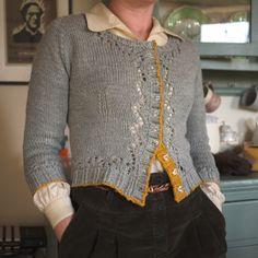 Ravelry: LotteB's grey days cardigan~ Miette by Andi Satterlund Cardigan Pattern, Sweater Knitting Patterns, Mode Crochet, Knit Crochet, Vintage Knitting, Free Knitting, Only Cardigan, Knit Fashion, Knitwear