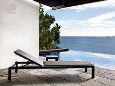 UNA Garden daybed by Calma design SerraydelaRocha #sunlounge #outdoorfurniture