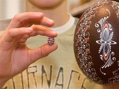 Song Bird Egg and an Ostrich Egg Pysanky. Egg Tree, Brown Eggs, Heart Diy, African Tribes, Egg Designs, Egg Decorating, Great Words, Czech Republic, Erika