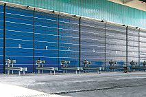 Las #puertas de #compostaje están construidas en una sola hoja y sin elementos móviles. Se apoyan perfectamente en el suelo, donde están dotadas de sendas juntas de caucho. Se desplazan lateralmente de manera práctica y segura. Los materiales utilizados en su fabricación son resistentes a la oxidación. Combinan limpieza, estanqueidad, facilidad de accionamiento y durabilidad #Angelmir