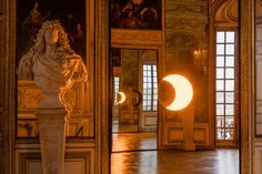 <p>After Anish Kapoor last year, it is now the turn of Danish-Icelandic visual artist Olafur Eliasson to take over the Château de Versailles until October 30th 2016. The work of the internationally a
