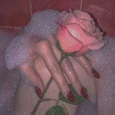 rose, pink, and aesthetic image Aesthetic Roses, Red Aesthetic, Aesthetic Grunge, Disney Instagram, Instagram Girls, Pink Tumblr, Gel Nail Art Designs, Landscape Illustration, Illustration Art