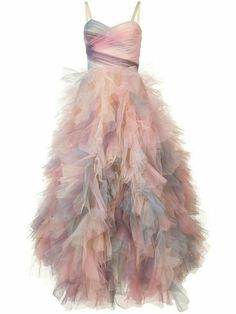 Shop designer dresses at Farfetch and find a mix of day and evening styles by the world's finest brands including Marchesa, Gucci and Zimmermann. Frilly Dresses, Tulle Dress, Pretty Dresses, Beautiful Dresses, Formal Dresses, Pink Dress, Looks Style, Couture Dresses, Dream Dress