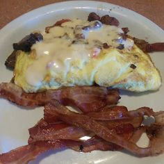 Meat lover's omelette with side of bacon!  #atkins #atkinsdiet #atkinsinduction #lowcarb #lowcarbdiet #lowcarblife #lowcarblifestyle #lowcarbhighfat #lchf #keto #ketodiet #ketolife #ketosis #ketogenic #eatfatlosefat #ketofam #eatfat #weightlossjourney #nomnom #weightlosstransformation #foodporn #sugarfree #nosugar #watchmeshrink #naturalweightloss #carbsmakeyoufat by atkins4life41
