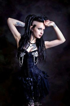 Ashtrayheart Model Gothic