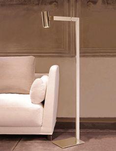 Mahari floor lamp brass - Showroom in Milan