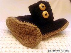 Een gratis Nederlands haakpatroon van baby uggs. Wil jij dit patroon ook haken? Lees dan verder over het haakpatroon baby uggs. Free Crochet, Knit Crochet, Crochet Doilies, Roxy Boots, Baby Uggs, Ugg Boots Cheap, Classic Ugg Boots, Crotchet Patterns, Crochet Shoes