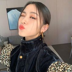 — shin ryujin discovered by 🥀 on We Heart It Shin Ryujin My Girl, Cool Girl, Gogo Tomago, Grunge Hair, Girl Crushes, K Idols, Korean Girl Groups, Kpop Girls, Ariana Grande