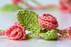 Crocheterie: New Crochet Necklace - Rose Garden
