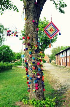Ihr Lieben,   im letzten Post  hatte ich Euch ja schon von dem Festival und dem Baum im Spitzenkleid erzählt, und heute kommt der verspro...