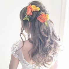 ゆるふわハーフアップの可愛いブライダルヘア・髪型まとめ | marry[マリー] Bangs Updo, Bride Hairstyles, Updos, Hair Beauty, Dreadlocks, Kawaii, Long Hair Styles, Flowers, Wedding