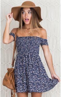 shoe trend teens Bold Shoulder dress in navy floral - Fawn amp; Co - - Bold Shoulder dress in navy floral - Fawn amp; Mode Outfits, Fashion Outfits, Dress Fashion, Teen Outfits, Teen Fashion, Chic Outfits, College Outfits, Fashion Ideas, Classy Outfits