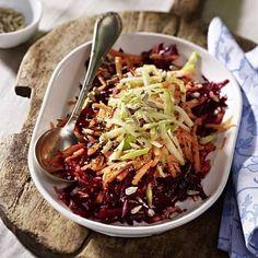 Rote Bete-Möhren-Apfel-Salat mit Honig-Senf-Dressing Rezept | LECKER