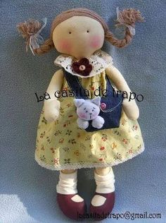 the lack of face is just as appealing as the intricate faces i have seen on other dolls and mad for the turned in toes Stitch Doll, Clothespin Dolls, Doll Quilt, Sewing Dolls, Waldorf Dolls, Fabric Dolls, Rag Dolls, Knitted Dolls, Soft Dolls