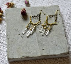quartz-crystal-chandelier-earrings-brass-wire-wrap-2.jpg (1500×1343)