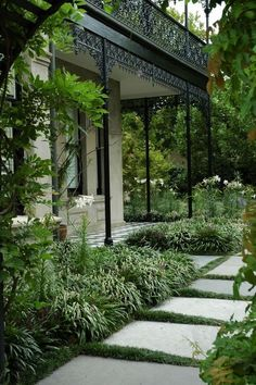 Front garden Architecture - 50 Awesome Front Yard Side Yard and Back Yard Landscaping Design Idea . Garden Architecture, Southern Architecture, Yard Design, House Garden Design, Front Yard Landscaping, Landscaping Ideas, Backyard Ideas, Luxury Landscaping, Landscaping Plants