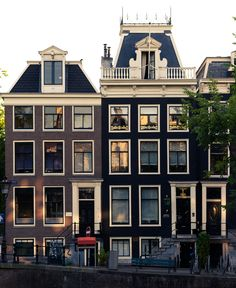 Amsterdam Winter, Amsterdam City, Amsterdam Netherlands, Dream City, City Architecture, Townhouse, Planets, Spain, Mansions