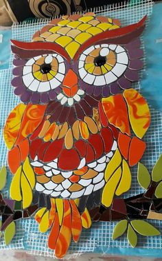 Owl Mosaic, Mosaic Tile Art, Mosaic Birds, Mosaic Patterns, Stained Glass Art, Pikachu, Projects To Try, Arts And Crafts, Disney Characters