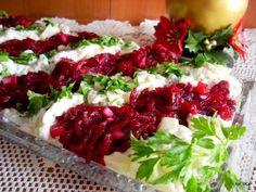 Sałatka śledziowa świąteczna | Smaczna Pyza Polish Recipes, Caprese Salad, Salads, Good Food, Food Porn, Veggies, Food And Drink, Appetizers, Cooking Recipes