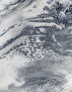 nuage espace 02 Des nuages vus den haut  technologie photo bonus