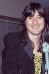 Steve Perry A smile to melt all hearts Steve Perry Daughter, Neal Schon, Journey Steve Perry, Stevie Ray, Jon Bon Jovi, Shiny Hair, Vintage Hollywood, Good Looking Men, My Favorite Music