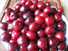 Mads Madglad: Kirsebærlikør Vodka, Cherry, Canning, Fruit, Drinks, Food, Syrup, Marmalade, Juice