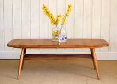 44 Mid-Century Coffee Table in Your Living Room Decor Ercol Coffee Table, Retro Coffee Tables, Mid Century Coffee Table, Coffee Table Design, Vintage Coffee, Retro Table, Small Living Rooms, Living Room Designs, Living Room Decor