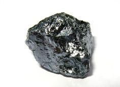 Materiałami stosowanymi na tranzystory są krzem, arsenek galu oraz german (półmetal srebrzysty).