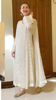 Fancy Dress Design, Stylish Dress Designs, Designs For Dresses, Stylish Dresses, Casual Dresses, Formal Outfits, Simple Pakistani Dresses, Pakistani Bridal Dresses, Pakistani Dress Design