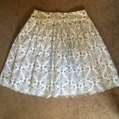 Ann Taylor LOFT Petite mid-length skirt Such a pretty skirt... Am sad to part with it but it doesn't fit me! Beautiful damask/chandelier pattern that will go with anything!! Dress it up or dress it down. Ann Taylor Skirts